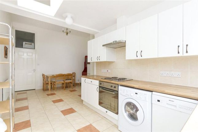Thumbnail Flat to rent in Byrne Road, Balham, London
