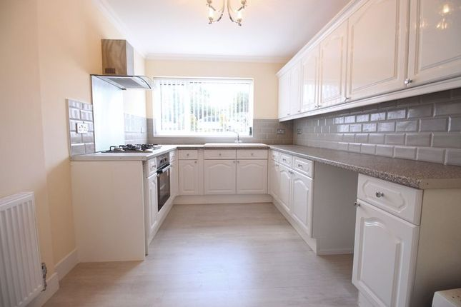 Thumbnail Flat for sale in Graham Crescent, Scarborough