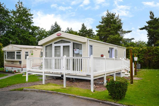 Thumbnail Mobile/park home for sale in Hilton Court, Hilton Road, Bishopbriggs, Glasgow