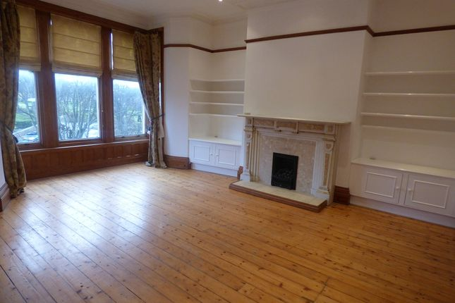 3 bed flat to rent in St.Georges Square, Lytham St.Annes