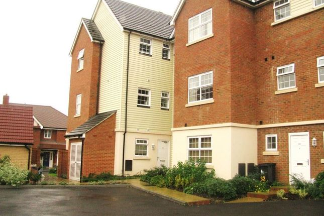 2 bed property to rent in Birch Road, Canterbury