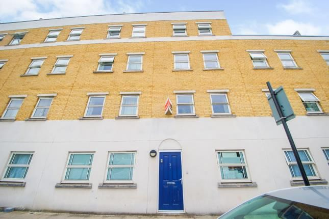 3 bed flat for sale in Stepney, London, England E1