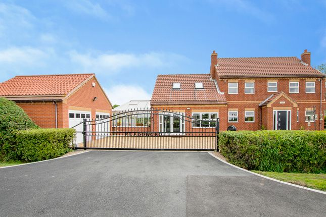 Thumbnail Property for sale in Meadow Croft, London Lane, Moss, Doncaster