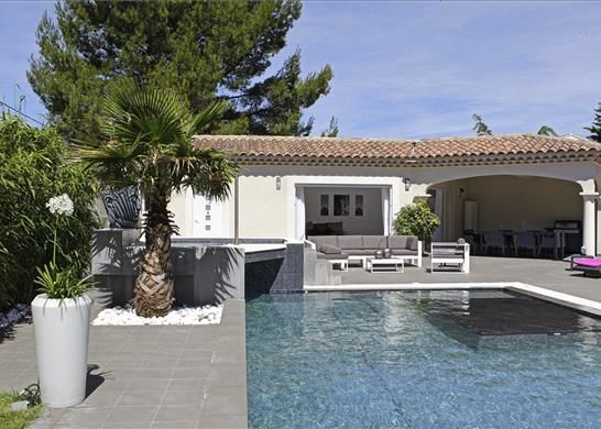 Cabrieres D Avignon Property For Sale
