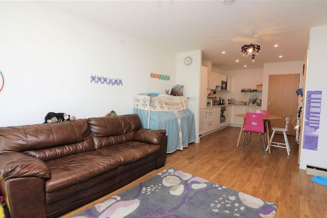 Thumbnail Flat to rent in Parkside Court, Pontoon Dock