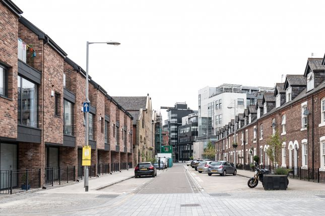 Thumbnail Mews house to rent in George Leigh Street, Manchester