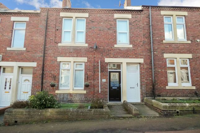 2 bed flat to rent in Portland Street, Pelaw, Gateshead NE10