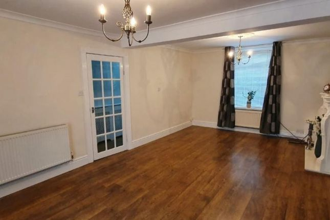 Lounge of Pencai Terrace, Treorchy CF42