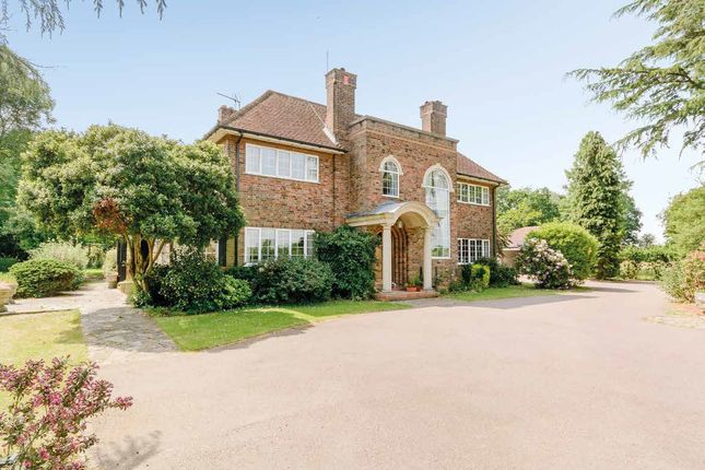 Thumbnail Detached house for sale in Bedmond Road, Hertfordshire