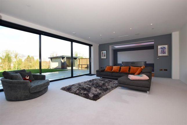 Sitting Area of Puckle Lane, Canterbury, Kent CT1