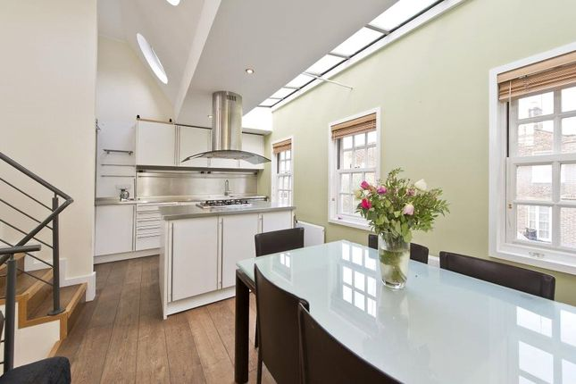 Thumbnail Maisonette for sale in Aubrey Road, London