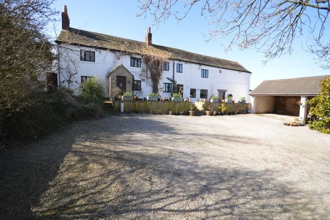 4 bed property for sale in Ouchthorpe Lane, Outwood, Wakefield