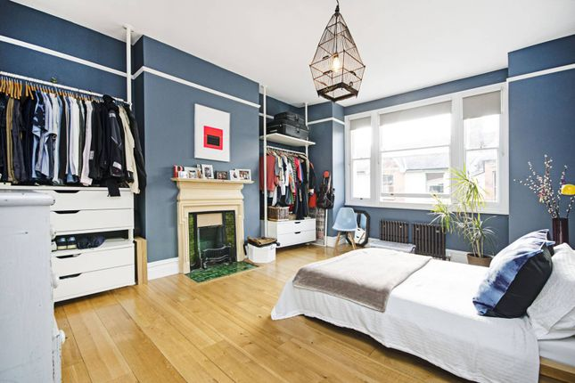 Thumbnail Flat to rent in Kinnoull Mansions, Lower Clapton