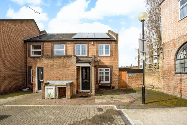 Thumbnail End terrace house to rent in Rectory Square, London