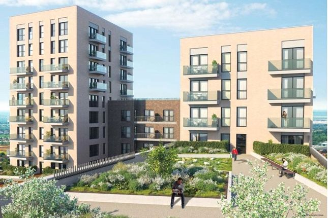 Thumbnail Flat for sale in Samuelson House, Greenview Court, Southall, London