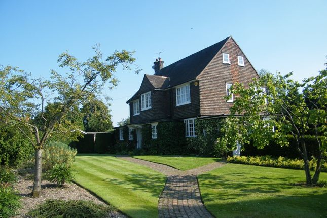 Thumbnail Property to rent in Manor Road, Reigate