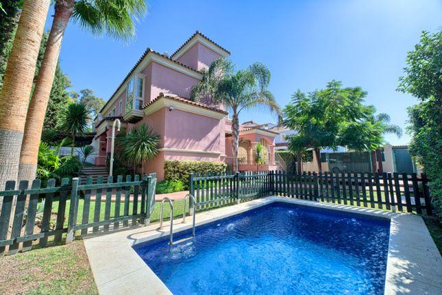 Thumbnail Villa for sale in Lorea Playa, Nueva Andalucia, Malaga, Spain