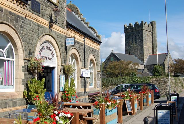 Thumbnail Restaurant/cafe for sale in College Green, Tywyn