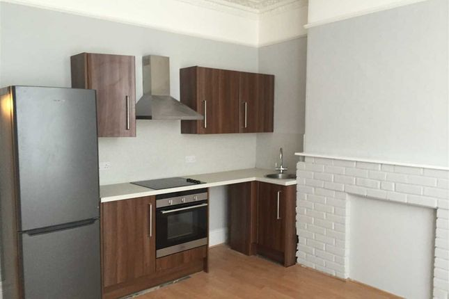 1 bed flat to rent in Evelyn Place, Plymouth PL4