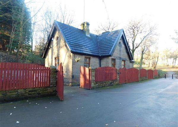 Thumbnail Detached house for sale in Top Lodge, Braken Hill Park, Off Bartle Lane