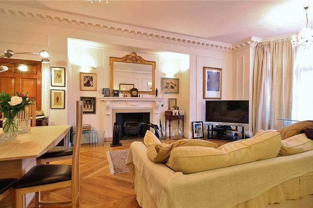 Thumbnail Flat for sale in Woodborough Road, Putney