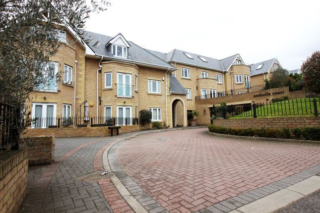 Thumbnail Flat to rent in Slades Hill, Enfield