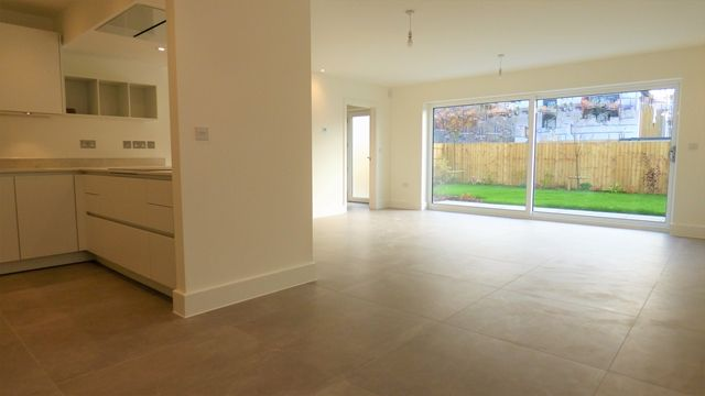 Thumbnail Detached house to rent in Catherines Close, Exeter