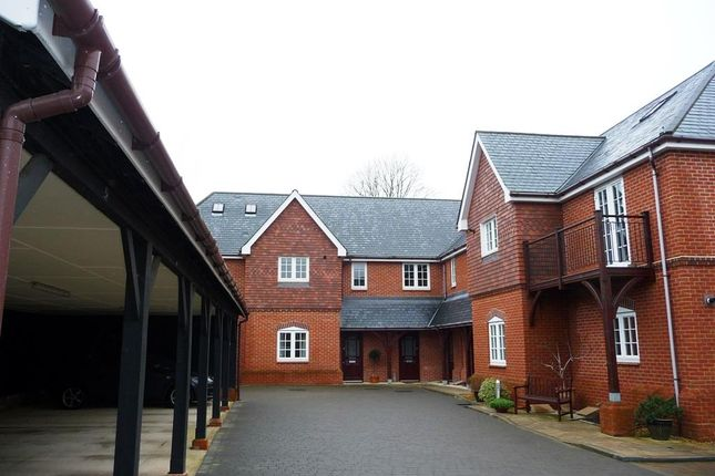 Thumbnail Property to rent in Enborne Gate, Newbury