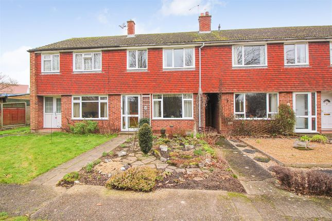 3 bed terraced house for sale in Felborough Close, Chilham, Canterbury