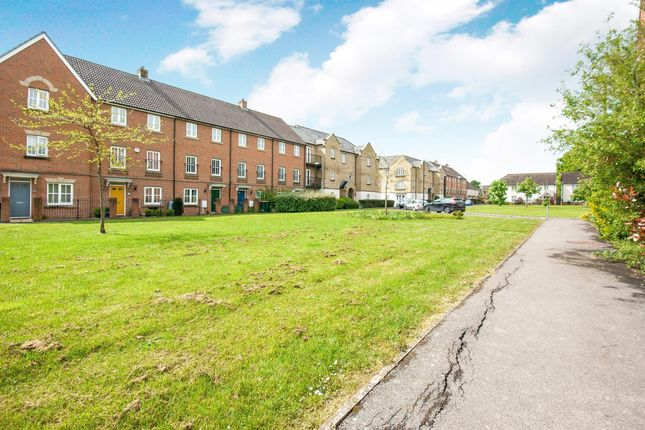 Thumbnail Property to rent in Trist Way, Ifield, Crawley