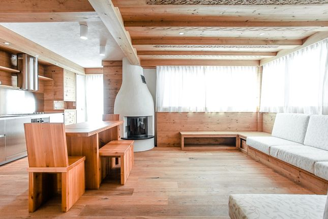 Thumbnail Apartment for sale in Cortina d Ampezzo, Veneto, Dolomites, Italy