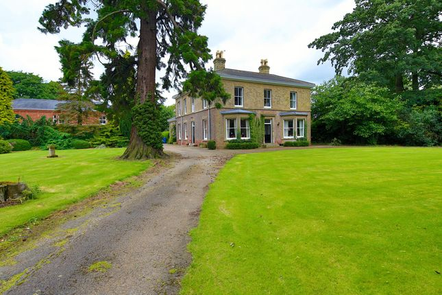 Thumbnail Country house for sale in Highgate, Leverton