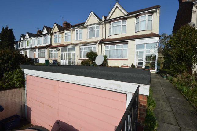 3 bed end terrace house for sale in Woodhouse Road, London