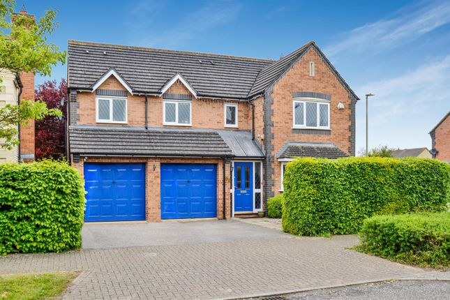 5 bed detached house for sale in Lucerne Avenue, Bicester
