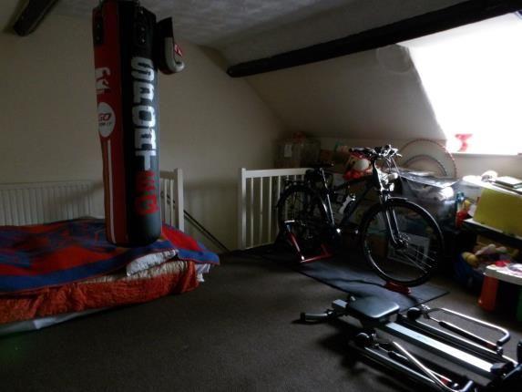 Attic Room of Crompton Street, Derby, Derbyshire DE1