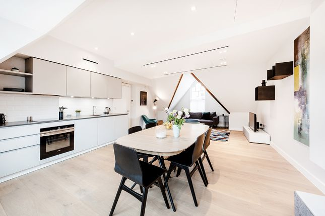 Thumbnail Flat to rent in Floral St, London