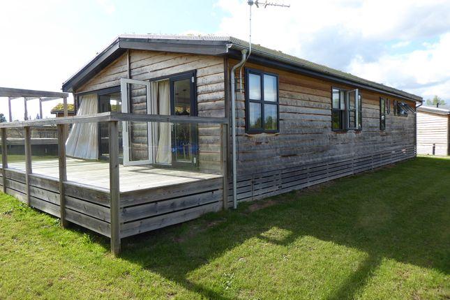 Mobile/park home for sale in Cherry Bird Country Park, Lower Farm, Hambridge Lane, Newbury, Berkshire