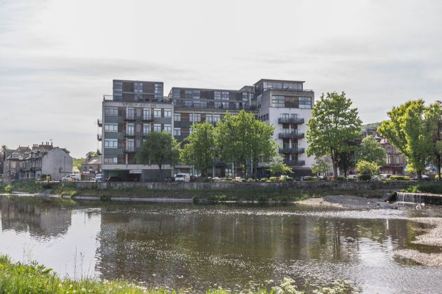 Thumbnail Flat for sale in Stramongate, Kendal