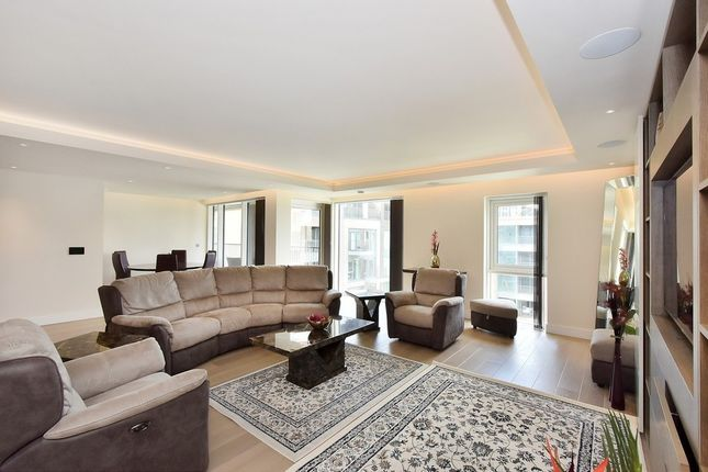 Thumbnail Flat to rent in Chelsea Creek, Fulham