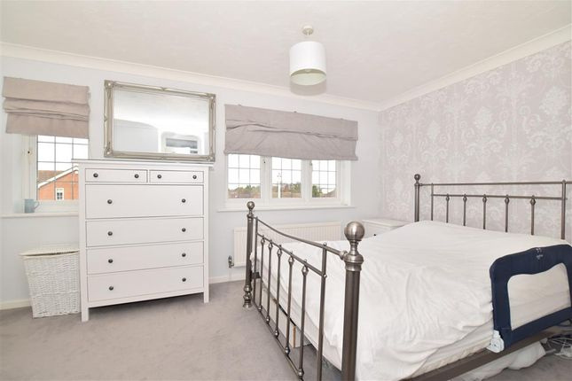 Bedroom 1 of The Pippins, Meopham, Kent DA13