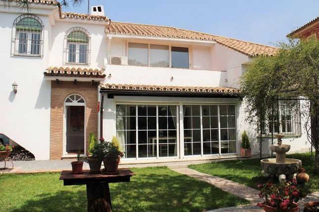 Thumbnail Villa for sale in Urb. Puerto De Estepona, Málaga, Spain