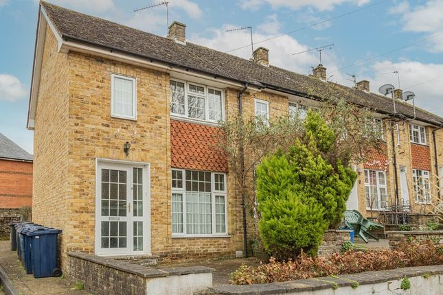 2 bed terraced house to rent in Pound Close, Godalming GU7