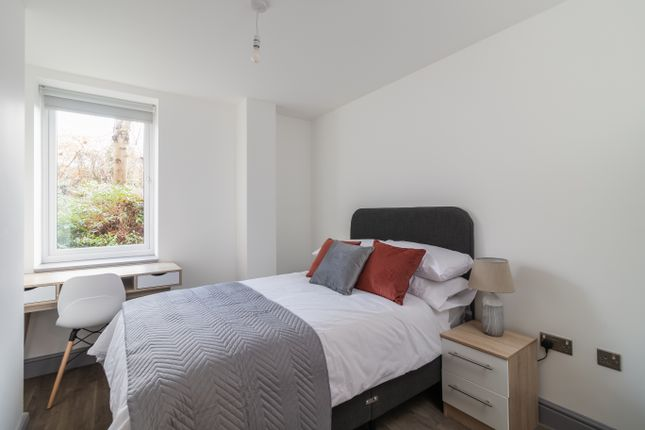 Thumbnail Room to rent in Tawny & Carder Place, Beecroft Road, Cannock
