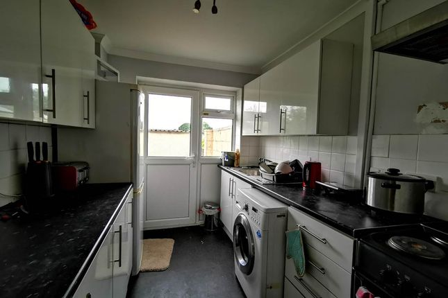 Kitchen of Glenfall, Yate, Bristol BS37