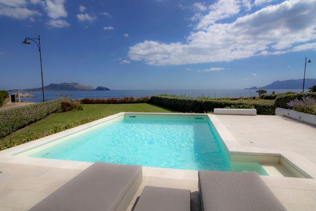 Villa for sale in Localitá Mare E Rocce, Olbia, Sardinia, Italy
