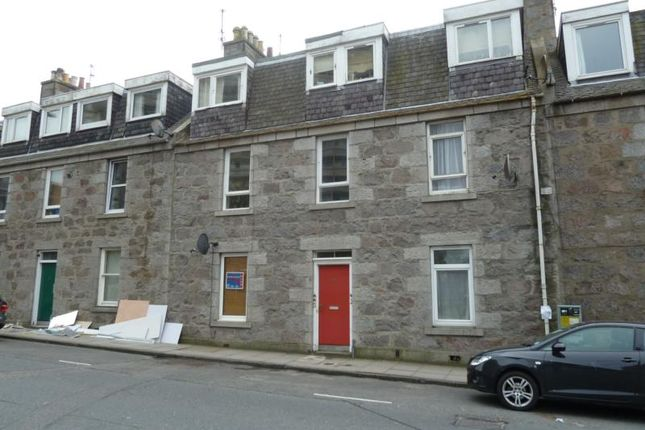 Thumbnail Flat to rent in Rose Street, First Right