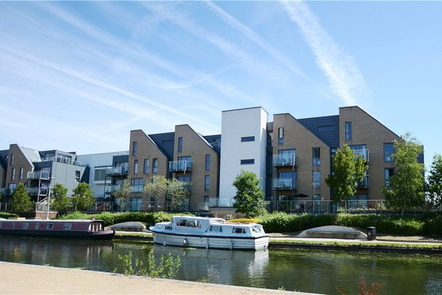 Thumbnail Flat for sale in Didcot House, Chantry Close, Yiewsley
