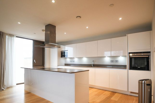 3 bed flat to rent in Parkside, Cambridge