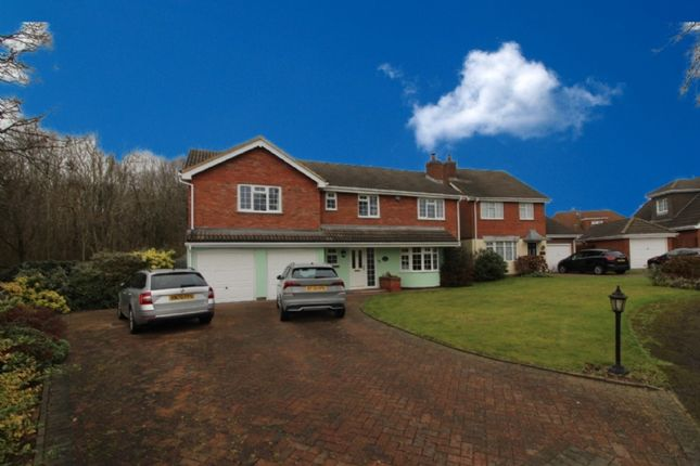 Thumbnail Detached house for sale in Sitwell Close, Newport Pagnell, Buckinghamshire