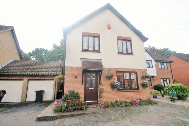 4 bed detached house for sale in Wickets Way, Ilford IG6